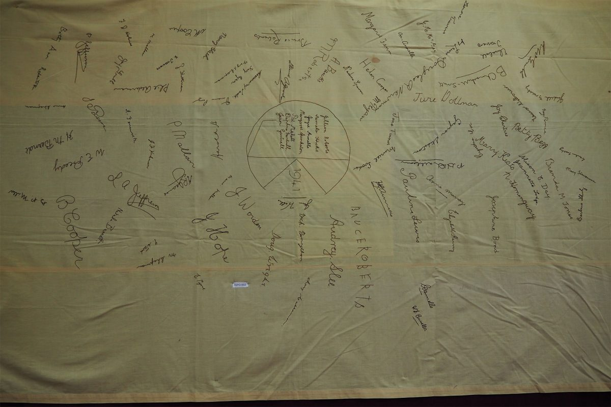 Junior Knitting Club 1941: Cloth