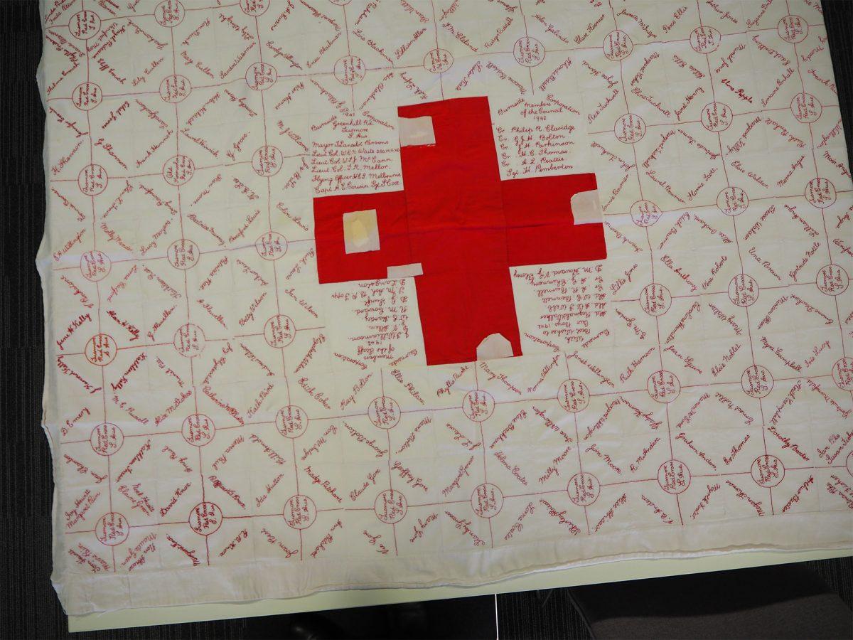 Red Cross. Tusmore: Quilt